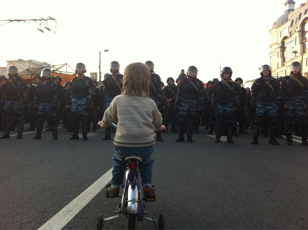 David Vs. Goliath: Toddler Stares Down Russian Riot Police *Picture of the Day*  david vs goliath hq