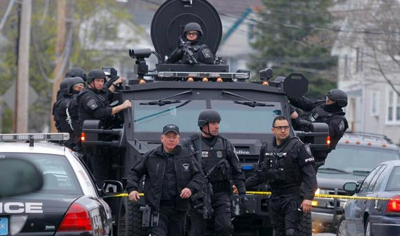 BATTLEFIELD USA: De Facto State of Martial Law Declared In Boston *Pics From the War Zone* Boston martial law15