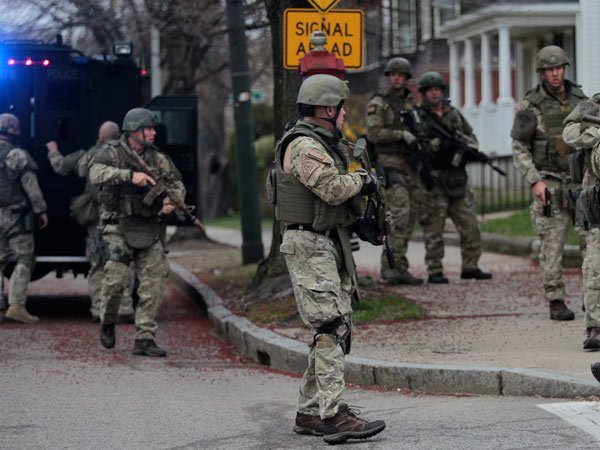 Boston-Manhunt-0413-de