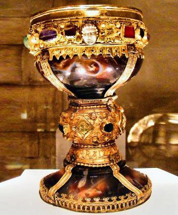 holy-grail-2 Claim: We Found the Holy Grail: œThe Cup Which Touched the Lips of Jesus Christ