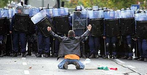 police-state-dissidents-1