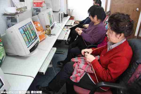 Chinese Grandmothers Trade Shares on Chinese Stock Market
