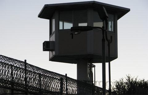 http://shtfplan.com/wp-content/uploads/2015/06/prison-tower.jpg