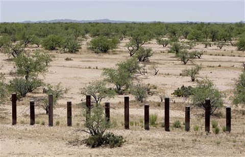 obama-border-fence