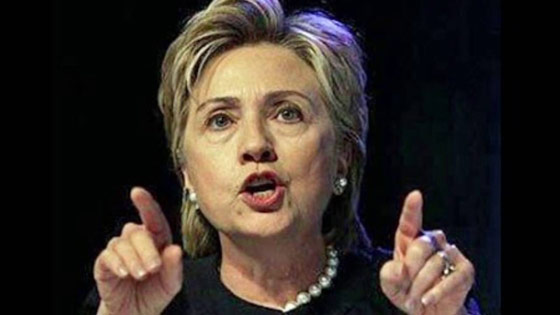 hillary-pointing3